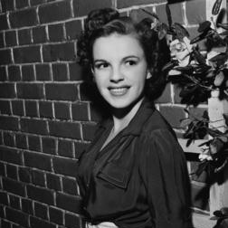 Download Judy Garland 'It Only Happens When I Dance With You' Digital Sheet Music Notes & Chords and start playing in minutes