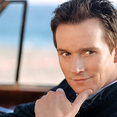 Russell Watson image and pictorial
